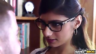 BANGBROS - Mia Khalifa is Give and Sexier Than Ever! Check Hose down Out!