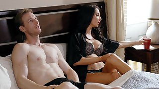 Dour MILF Silvia Saige gets her pussy fucked hard on the bed