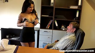 Rich older boss gives monet in all directions his secretary Bella for a quickie