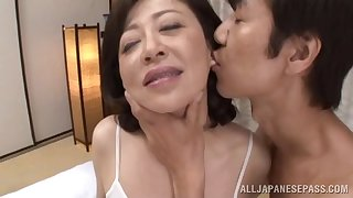 Erotic making out on the bed with mature Asian Chizubu Terashima