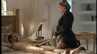 This toddler loves brute a kinky mistress together with she loves to haul over the coals their way clients