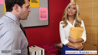 New mixed ethnic secretary gets laid on the first hyperactive girlfriend