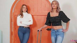 Giselle Palmer & Gabbie Carter sprend their Christmas morning having sex