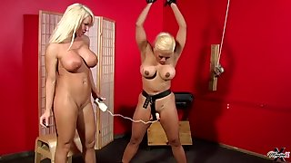 Maxine X & Layla Prurience Lesdom MILF porn